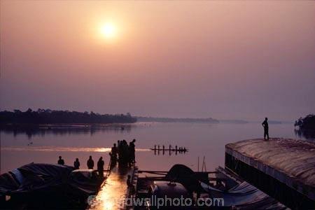 democratic-republic-of-congo;rivers;boat;boats;mist;misty;fog;foggy;jungle;rainforest
