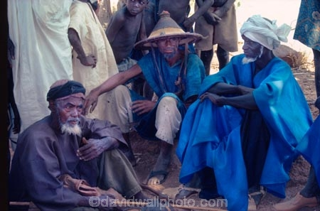 africa;african;africans;black;ethnic;male;people;person;persons;portrait;portraits;tradition;traditional;costume;costumes;traditions-costume;traditional-costumes;culture;cultural;cultures;tribe;tribes;tribal;west-africa;indigenous;native;adorn;adornment;hat;hats;islam;islamic;muslim;dogons;dogon;mali;malian;bandiagara;elder;elders;meet;meeting