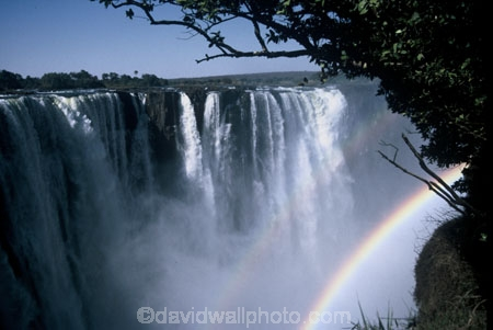 Victoria-Falls;Zimbabwe;Zambia;Southern-Africa;aerial;African;africa;waterfall;waterfalls;water;natural;wonder-of-the-world;seven-natural-wonders-of-the-world;mist;misty;spray;rainbow;rainbows;refraction;high;nature;power