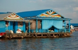 Asia;Cambodia;Cambodian-floating-village;Cambodian-floodplain;Cambodian-village;Chong-Khneas;Chong-Khneas-Floating-Village;Chong-Khnies;Chong-Kneas;Chong-Kneas-Floating-Village;floating-home;floating-homes;floating-house;floating-houses;floating-shop;floating-shops;Floating-Village;Floating-Villages;freshwater-lake;freshwater-lakes;Indochina-Peninsula;Kampuchea;Kingdom-of-Cambodia;lake;lakes;Lower-Mekong-Basin;Mekong-Plain;Siem-Reap;Siem-Reap-Province;Southeast-Asia;Tonle-Sap;Tonle-Sap-Lake;Tonlé-Sap;Tonlé-Sap-Lake;UNESCO-Biosphere-Reserve