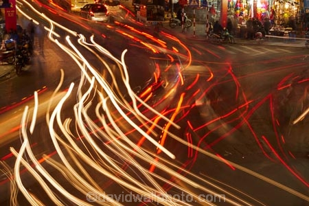 Asia;car;car-lights;cars;dark;dusk;evening;Hanoi;intersection;intersections;light;light-trails;lights;long-exposure;night;night-time;night_time;Old-Quarter;South-East-Asia;Southeast-Asia;street;street-scene;street-scenes;streets;tail-light;tail-lights;tail_light;tail_lights;time-exposure;time-exposures;time_exposure;traffic;twilight;Vietnam;Vietnamese