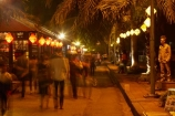 Asian;dark;dusk;evening;Hu;Hue;light;lighting;lights;mime;night;night-time;night_time;North-Central-Coast;people;Perfume-River-waterfront;person;street;street-scene;street-scenes;streets;Tha-Thiên_Hu-Province;Thua-Thien_Hue-Province;twilight;Vietnam;Vietnamese;Asia