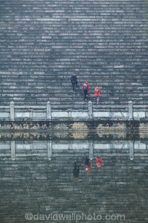 Asia;Bai-Dinh-Buddist-Temple;Bai-Dinh-Mountain;Bai-Dinh-Temple;Bai-Dinh-Temple-Spiritual-and-Cultural-Complex;Buddhist-Temple;Buddhist-Temples;Buddism;Buddist;calm;Chua-Bai-Dinh;Gai-Vien-District;Ho-Tinh-Tam;Ninh-Binh;Ninh-Binh-Province;Ninh-Bình-province;Northern-Vietnam;people;person;place-of-worship;places-of-worship;pond;ponds;pool;pools;reflection;reflections;religion;religions;religious;smooth;South-East-Asia;Southeast-Asia;stair;stairs;stairway;stairways;step;steps;temple;temples;tourism;tourist;tourists;Vietnam;Vietnamese