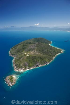 aerial;aerial-photo;aerial-photograph;aerial-photographs;aerial-photography;aerial-photos;aerial-view;aerial-views;aerials;Australasian;Australia;Australian;Cairns;coast;coastal;coastline;coastlines;coasts;Coral-Sea;Fitzroy-Is;Fitzroy-Is-NP;Fitzroy-Is.;Fitzroy-Is.-N.P.;Fitzroy-Island;Fitzroy-Island-N.P.;Fitzroy-Island-National-Park;Fitzroy-Island-NP;headland;holiday;holiday-destination;holiday-destinations;holidays;island;islands;Little-Fitzroy-Island;North-Queensland;ocean;point;Qld;Queensland;sea;shore;shoreline;shorelines;shores;tourism;travel;Tropcial-North-Queensland;tropical;Tropical-Island;Tropical-Islands;vacation;vacations;water