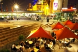 al-fresco;alfresco;australasian;australia;australian;cafe;cafes;cuisine;dark;darkness;dine;diners;dining;eat;eating;evening;federation-square;flinders-st-station;flinders-street-station;food;light;lights;melbourne;night;night-time;night_time;nighttime;outdoor;outside;restaurant;restaurants;umbrella;umbrellas;victoria