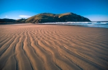 bays;beach;beaches;Cannibal-Bay;Catlins;coast;coastal;coastline;headland;n.z.;New-Zealand;nz;ocean;promontory;sand;sea;shore;shoreline;South-Island;South-Otago;Southern-Scenic-Route;Southland;wave;waves