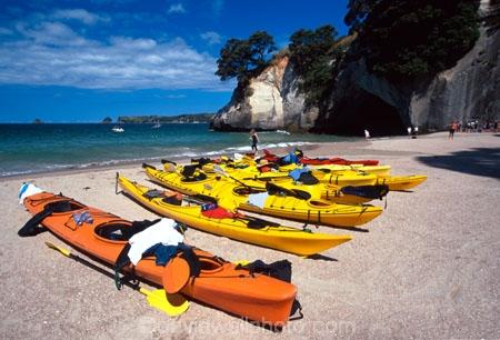 aqua;beach;beached;beaches;blue;bush;coast;coast-line;coastal;coastline;color;colors;colour;colours;green;island;islands;kayaking;kayaks;orange;paddle;paddles;paddling;park;parked;peace;peaceful;peacefulness;sand;sea;shore;shore-line;shoreline;tranquil;tranquility;water;yellow