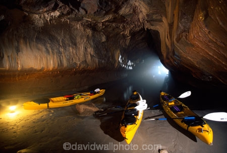 sea;kayak;kayaks;canoe;canoes;cave;caves;dark;ocean;kayakers;stalagtite;stalagmite;beach;sand;beaches;exotic;awesome;scenic;paddle;paddles;adventure;adventurous;tourism;tourists;tourist;exciting;exploring;explore;explorers;cavers;caving