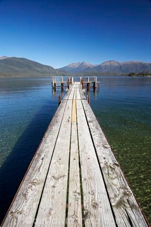 clean;Fiordland;jetties;jetty;lake;Lake-Te-Anau;lakes;N.Z.;New-Zealand;NZ;pier;piers;pristine;S.I.;SI;South-Island;Southland;Te-Anau;water-clear;waterside;wharf;wharfes;wharves