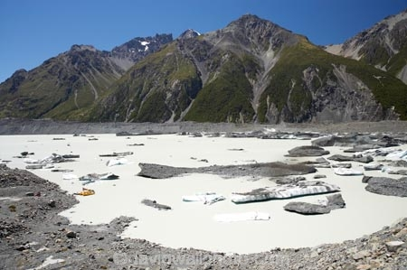 alp;alpine;alps;Aoraki-Mt-Cook-National-Park;Aoraki-Mt-Cook-National-Park;boat;boats;Botanical-Spur;Burnett-Mountains;Canterbury;glacial;glacial-lake;glacier;Glacier-Explorers;glacier-ice;glaciers;ice;iceberg;icebergs;icy;Mackenzie-Country;Mackenzie-District;moraine;Mt-Cook-National-Park;mt.;N.Z.;New-Zealand;NZ;plastic-boat;plastic-boats;S.I;SI;South-Canterbury;South-Is;South-Island;southern-alps;Tasman-Glacier-Lake;Tasman-Lake;Tasman-Valley;terminal-moraine