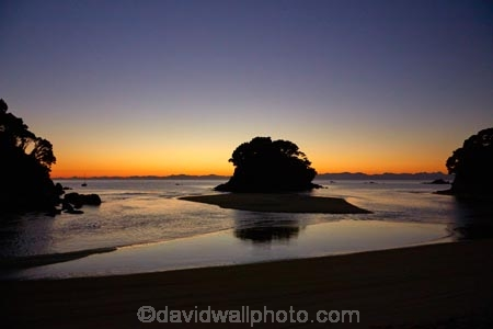 Abel-Tasman;Abel-Tasman-N.P.;Abel-Tasman-National-Park;Abel-Tasman-NP;beach;beaches;coast;coastal;coastline;coastlines;coasts;dusk;estuaries;estuary;evening;hot;inlet;inlets;island;islands;lagoon;lagoons;morning;Mosquito-Bay;N.Z.;national-park;national-parks;Nelson-Region;New-Zealand;night;NZ;ocean;oceans;S.I.;sea;seas;shore;shoreline;shorelines;shores;silhouette;silhouettes;South-Is;South-Island;Sth-Is;summer;sunrise;sunrises;Tasman-Bay;Tasman-District;tidal;tide;twilight;water