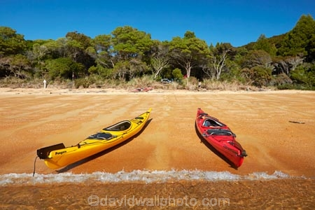 Abel-Tasman;Abel-Tasman-N.P.;Abel-Tasman-National-Park;Abel-Tasman-NP;adventure;adventure-tourism;beach;beaches;boat;boats;camp-ground;camp-grounds;camp-site;camp-sites;campground;campgrounds;camping-ground;camping-grounds;camping-site;camping-sites;campsite;campsites;canoe;canoeing;canoes;coast;coastal;coastline;coastlines;coasts;hot;kayak;kayaking;kayaks;N.Z.;national-park;national-parks;Nelson-Region;New-Zealand;NZ;ocean;oceans;red-kayak;red-kayaks;S.I.;sea;sea-kayak;sea-kayaking;sea-kayaks;seas;shore;shoreline;shorelines;shores;South-Is;South-Island;Sth-Is;summer;Tasman-Bay;Tasman-District;Te-Pukatea;Te-Pukatea-Bay;Te-Pukatea-Bay-campground;Te-Pukatea-Bay-campsite;tourism;vacation;vacations;water;yellow-kayak;yellow-kayaks
