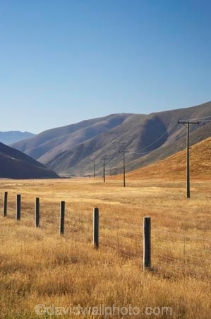agriculture;Ahuriri-Valley;country;countryside;drought;dry;farm;farming;farmland;farms;fence;fenceline;fencelines;fences;field;fields;hill;hills;hillside;hillsides;line;lines;meadow;meadows;New-Zealand;North-Otago;Otago;paddock;paddocks;pasture;pastures;pole;poles;post;posts;power-line;power-lines;power-pole;power-poles;rural;South-Island;summer;telegraph-line;telegraph-lines;telegraph-pole;telegraph-poles;Waitaki-District;wire;wires