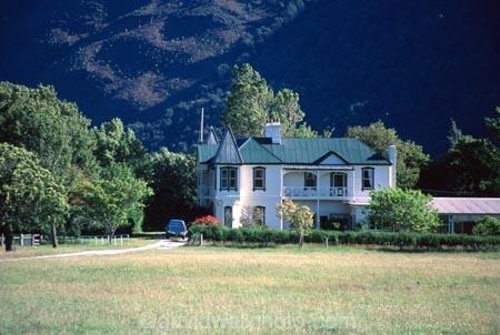 home;house;homestead;farmland;sheltered;peaceful;farm;farmsted;paradise;glenorchy;south-island;new-zealand