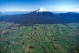 spring;grass;green;paddock;paddocks;field;fields;pasture;pastures;meadow;meadows;agriculture;rural;farm;farms;farmer;farming;farmland;lush;verdant;dairy;snow;mountains;mountain;volcano;volcanoes;taranaki;egmont;mt;mount;mt.;egmont-national-park;national-park;reserve