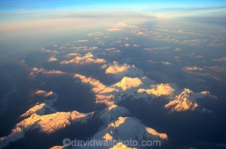 above-earth;aerial;aerials;altitude;colour-tint;distance;distant;gold;haze;hazy;high;main-divide;mountain;mountain-top;mountain-tops;mountaineering;mountains;mountains;peak;peaks;pink;pinnacle;pinnacles;shadow;shadows;snow;summit;summits;sun-beam;sun-beams;sun-kissed;sun-ray;sun-rays;sun_beam;sun_beams;sun_kissed;sun_ray;sun_rays;tint;tinted