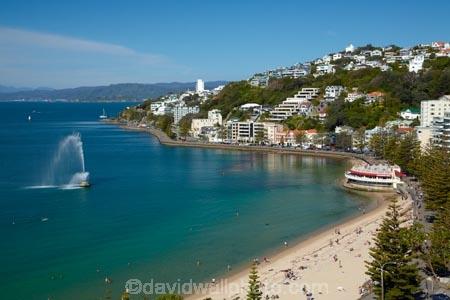 beach;beaches;coast;coastal;fountain;fountains;harbor;harbors;harbour;harbours;N.I.;N.Z.;New-Zealand;NI;North-Is.;North-Island;Nth-Is;NZ;Oriental-Bay;Oriental-Parade;Oriental-Pde;Port-Nicholson;Te-Whanganui_a_Tara;Wellington;Wellington-Harbor;Wellington-Harbour;Wellington-Waterfront