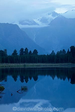 calm;lake;Lake-Matheson;lakes;N.Z.;New-Zealand;NZ;placid;quiet;reflected;reflection;reflections;S.I.;serene;SI;smooth;South-Is;South-Island;Sth-Is;still;tranquil;water;West-Coast;Westland;Westland-N.P.;Westland-National-Park;Westland-NP