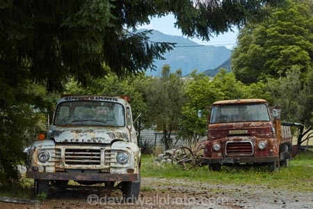 Old Bedford And Morris Trucks Murchison Tasman District South