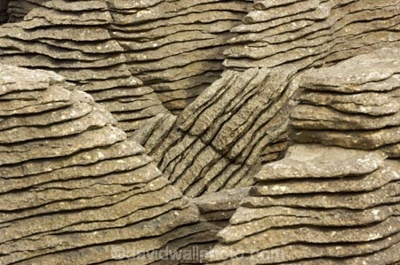 coast;coastal;coastline;erode;eroded;form;formation;formations;geological;geology;layer;layered;layers;natural;New-Zealand;Pancake-Rocks;Paparoa-National-Park;pattern;patterns;Punakaiki;rock;rocks;sedementary;south-island;texture;textures;tide;weathered;West-Coast;westland