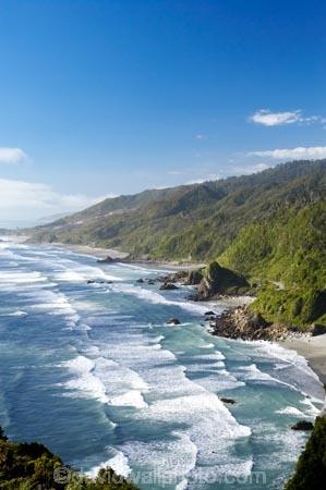 bay;bays;beach;beaches;coast;coastal;coastline;Irimahuwhero-Viewpoint;meybille-bay;new-zealand;ocean;Paparoa-National-Park;sand;sea;shore;shoreline;South-Island;surf;Tasman-sea;waves;West-Coast;westland