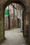 alley;alleys;alleyway;alleyways;arch;archs;archway;archways;Britain;British-Isles;building;buildings;England;Europe;Friars-Wynd;G.B.;GB;Great-Britain;heritage;historic;historic-building;historic-buildings;historical;historical-building;historical-buildings;history;medieval-market-town;narrow-lane;narrow-lanes;narrow-street;narrow-streets;North-Yorkshire;Northern-England;old;Richmond;tradition;traditional;U.K.;UK;United-Kingdom;Yorkshire;Yorkshire-Dales