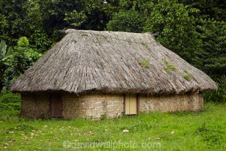 Coral-Coast;Fij;Fiji;Fiji-Islands;Fijian-house;grass;Pacific;South-Pacific;thatch;thatch-roof;thatch-roofs;thatch-roove;thatched;thatched-roof;thatched-roofs;thatched-roove;tradition;traditional;traditional-building-methods;Traditional-Fijian-house;Viti-Levu;woven