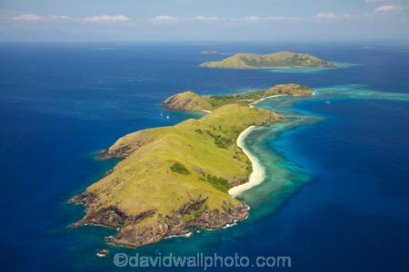 aerial;aerial-photo;aerial-photograph;aerial-photographs;aerial-photography;aerial-photos;aerial-view;aerial-views;aerials;coast;coastal;coastline;coastlines;coasts;coral;coral-reef;coral-reefs;corals;Fij;Fiji;Fiji-Islands;foreshore;Mamanuca-Group;Mamanuca-Is;Mamanuca-Island-Group;Mamanuca-Islands;Mamanuca_i_Cake-Group;Mamanucas;ocean;Pacific;Pacific-Island;Pacific-Islands;reef;reefs;sea;shore;shoreline;shorelines;shores;South-Pacific;Tavua-Is;Tavua-Island;tropical-island;tropical-islands;tropical-reef;tropical-reefs;water;Yanuya-Is;Yanuya-Island