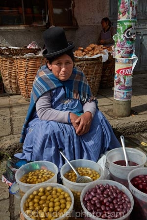 Aymara;Bolivia;Bolivian;Bolivians;capital;Capital-of-Bolivia;Cholita;cholita-pacenas;Cholitas;Chuqi-Yapu;commerce;commercial;farmer-market;farmer-markets;farmers-market;farmers-markets;farmers-market;farmers-markets;female;food;food-market;food-markets;food-stall;food-stalls;indigenous;La-Paz;Latin-America;market;market-place;market_place;marketplace;markets;Mercardo-Rodriguez;Nuestra-Señora-de-La-Paz;olive;olives;people;person;produce;produce-market;produce-markets;retail;Rodriguez-Market;shop;shopping;shops;South-America;stall;stalls;steet-scene;Sth-America;street-scenes;The-Americas;woman;women