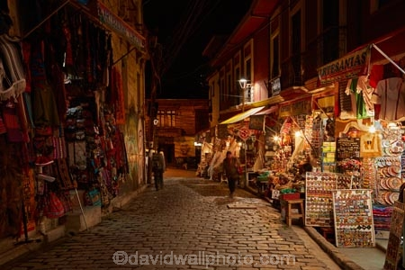 artisan-shops;Bolivia;capital;Capital-of-Bolivia;Chuqi-Yapu;cities;city;cobble-stone-streets;cobble_stoned;cobblestone;cobblestoned;cobblestones;commerce;commercial;craft-market;craft-markets;Curio-and-Handcraft-Market;Curio-and-Handicraft-Market;curio-market;Curio-Markets;dark;dusk;El-Mercardo-de-las-Brujas;evening;handcraft;Handcraft-Market;Handcraft-Markets;handcrafts;handicraft;Handicraft-Market;Handicraft-Markets;handicrafts;La-Hechiceria;La-Paz;Latin-America;light;lighting;lights;Linares;market;market-place;market-stall;market-stalls;market_place;marketplace;marketplaces;markets;Mercardo-de-las-Brujas;night;night-time;night_time;Nuestra-Señora-de-La-Paz;retail;retailer;retailers;shop;shopping;shops;South-America;souvenir;souvenir-market;Souvenir-Markets;souvenirs;stall;stalls;steet-scene;Sth-America;street-scenes;The-Americas;The-Witches-Market;tourist-market;tourist-markets;twilight;Witches-Market;Witches-Market