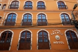 balconies;balcony;Bolivia;building;buildings;capital;Capital-of-Bolivia;Chuqi-Yapu;facade;facades;heritage;historic;historic-building;historic-buildings;historical;historical-building;historical-buildings;history;hotel;hotels;La-Paz;Latin-America;Lion-Palace-Hotel;Nuestra-Señora-de-La-Paz;old;pattern;patterns;South-America;Sth-America;The-Americas;tradition;traditional;window;windows