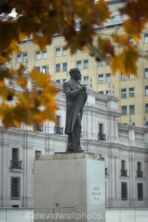 Arturo-Alessandri;Arturo-Alessandri-Palma;Arturo-Fortunato-Alessandri-Palma;Arturo-Palma;autuminal;autumn;autumn-colour;autumn-colours;autumnal;building;buildings;capital-cities;capital-city;Capital-of-Chile;Chile;Citizenship-Square;color;colors;colour;colours;deciduous;fall;former-president;gold;golden;heritage;historic;historic-building;historic-buildings;historical;historical-building;historical-buildings;history;La-Moneda;Latin-America;leaf;leaves;old;palace;Palace-of-the-Currency;palaces;Palacia-Le-Moneda;Palacio-de-La-Moneda;Plaza-de-la-Ciudadania;Plaza-de-la-Ciudadanía;president;Presidential-Palace;Santiago;Santiago-de-Chile;season;seasonal;seasons;South-America;statue;statues;Sth-America;The-Americas;tradition;traditional;tree;trees;yellow