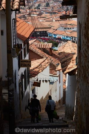 alley;alleys;alleyway;alleyways;cobble_stoned;cobble_stoned-street;cobbled;cobbles;cobblestoned;cobblestoned-road;cobblestoned-roads;cobblestoned-street;cobblestoned-streets;cobblestones;Cusco;Cuzco;Latin-America;narrow-street;narrow-streets;people;person;Peru;Peruvian;Peruvians;Republic-of-Peru;Resbalosa;road;roads;roof;roofs;rooves;South-America;stair;stairs;stairway;stairways;steep;steep-street;steep-streets;step;steps;Sth-America;street;streets