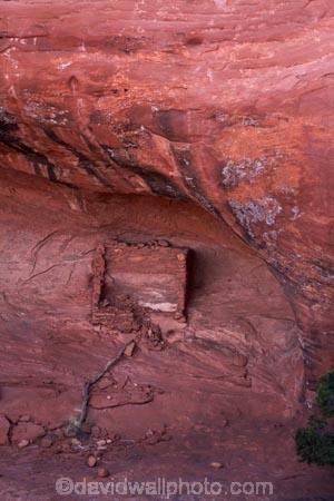 abandon;abandoned;America;American-Southwest;Anasazi-dwelling;Anasazi-ruin;Anasazi-ruins;Anasazi-site;Anasazi-sites;Ancestral-Pueblo-peoples;Ancient-Anasazi-cliff-dwelling;ancient-cliff-dwellers;ancient-Native-American-culture;Ancient-Pueblo-peoples;Ancient-Puebloans;Arizona;AZ;building;buildings;character;cliff;cliff-dwelling;cliff-dwellings;cliffs;Colorado-Plateau;Colorado-Plateau-Province;derelict;derelict-building;dereliction;deserted;desolate;desolation;destruction;heritage;historic;historic-building;historic-buildings;Historic-Ruins;historical;historical-building;historical-buildings;history;Monument-Valley;Monument-Valley-Navajo-Tribal-Park;Mystery-Valley;Navajo-Indian-Reservation;Navajo-Nation;Navajo-Nation-Reservation;Navajo-Reservation;neglect;neglected;old;old-fashioned;old_fashioned;Oljato;Oljato-Monument-Valley;Oljato_Monument-Valley;rock-overhang;rock-overhangs;ruin;ruins;run-down;rustic;South-west-United-States;South-west-US;South-west-USA;South-western-United-States;South-western-US;South-western-USA;Southwest-United-States;Southwest-US;Southwest-USA;Southwestern-United-States;Southwestern-US;Southwestern-USA;States;the-Southwest;tradition;traditional;Tsé-Bii-Ndzisgaii;U.S.A;United-States;United-States-of-America;USA;UT;Utah;valley-of-the-rocks;vintage