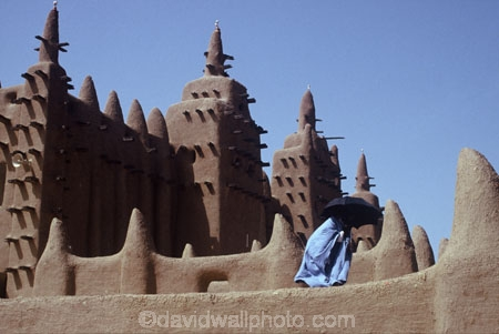 sahel;minaret;minarets;mosques;historical;historic;islam;islamic;muslim;africa;african;africans;black;ethnic;male;people;person;persons;tradition;traditional;costume;costumes;traditions-costume;traditional-costumes;culture;cultural;cultures;tribe;tribes;tribal;west-africa;indigenous;native;robe;robes;jenne;sahelian;sudanese-mud-architecture;mosquee;grand-mosque