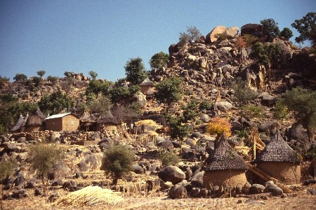 camerouns;cameroon;cameroons;cameroun;West-Africa;africa;african;Village;villages;Mandara;mandara-Mountains;Northern-Cameroun;traditional;tradition;culture;cultural;thatch;thatched;mud-hut;home;homes;houses;house;graneries;granery;rocks;rock;rocky;granary;granaries