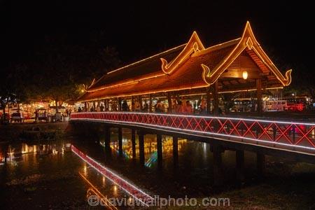 Art-Centre-Market;Art-Centre-Night-Market;Asia;bridge;bridges;calm;Cambodia;covered-bridge;covered-bridges;covered-pedestrian-bridge;covered-pedestrian-bridges;dark;dusk;evening;fairy-lights;foot-bridge;foot-bridges;footbridge;footbridges;Indochina-Peninsula;Kampuchea;Kingdom-of-Cambodia;light;lighting;lights;neon-light;neon-lights;night;night-market;night-markets;night-time;night_time;pedestrian-bridge;pedestrian-bridges;people;person;placid;quiet;reflected;reflection;reflections;rivers;serene;Siem-Reap;Siem-Reap-Art-Centre-Night-Market;Siem-Reap-Province;Siem-Reap-River;smooth;Southeast-Asia;still;tourism;tourist;tourists;tranquil;twilight;water