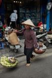 Asia;Asian;corn;fresh-produce;Hanoi;hawker;hawkers;Old-Quarter;produce;South-East-Asia;Southeast-Asia;street;street-scene;street-scenes;street-vendor;street-vendors;streets;vendor;vendors;Vietnam;Vietnamese