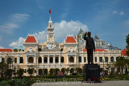 Asia;Asian;building;buildings;cities;city;clock-tower;clock-towers;clocktower;clocktowers;District-1;District-One;H.C.M.-City;H-Chí-Minh;HCM;HCM-City;heritage;historic;historic-building;historic-buildings;historical;historical-building;historical-buildings;history;Ho-Chi-Minh;Ho-Chi-Minh-City;Ho-Chi-Minh-City-Hall;Ho-Chi-Minh-City-Peoples-Committee-Head-office;Ho-Chi-Minh-Statue;Ho-Chi-Minh-Statues;Hotel-de-Ville;Hotel-de-Ville-de-Saigon;Hôtel-de-Ville;Hôtel-de-Ville-de-Saïgon;Nguyn-Sinh-Cung;Nguyen-Sinh-Cung;old;Peoples-Committee-Building;Peoples-Committee-Headquarters;Peoples-Committee-HQ;public-sculpture;public-sculptures;Saigon;Saigon-City-Hall;sculpture;sculptures;South-East-Asia;Southeast-Asia;statue;statues;tradition;traditional;Vietnam;Vietnamese
