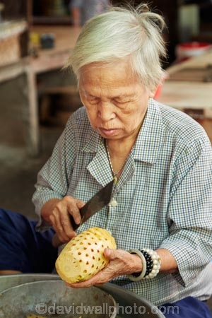 Asia;Asian;Can-Duoc;Can-Duoc-Market;commerce;commercial;elderly;farmer-market;farmer-markets;farmers-market;farmers-markets;farmers-market;farmers-markets;female;females;food-market;food-markets;food-stall;food-stalls;lady;Long-An-Province,;market;market-day;market-days;market-place;market_place;marketplace;markets;Mekong-Delta;Mekong-Delta-Region;O.A.P.;OAP;old;pensioner;pensioners;people;person;pineapple;pineapples;produce;produce-market;produce-markets;retail;retailer;retailers;shop;shopping;shops;South-East-Asia;Southeast-Asia;stall;stalls;steet-scene;street-scenes;Vietnam;Vietnamese;woman;women;worker;workers
