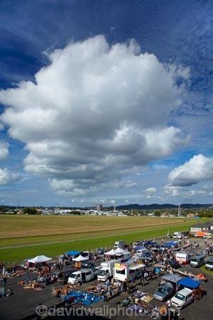 Auckland;Avondale;Avondale-Market;Avondale-Markets;Avondale-Racetrack;Avondale-Raceway;Avondale-Sunday-Market;buy;buying;cloud;clouds;commerce;commercial;crowd;crowds;food-market;food-markets;food-stall;food-stalls;fruit-market;market;market-place;market-stall;market-stalls;market_place;marketplace;markets;N.Z.;New-Zealand;North-Is.;North-Island;Nth-Is;NZ;outdoor;outdoors;people;person;retail;retailer;retailers;sale;sales;sell;seller;sellers;selling;sells;shop;shopping;shops;stall;stalls;steet-scene;street-scenes;vegetables;vendor;vendors