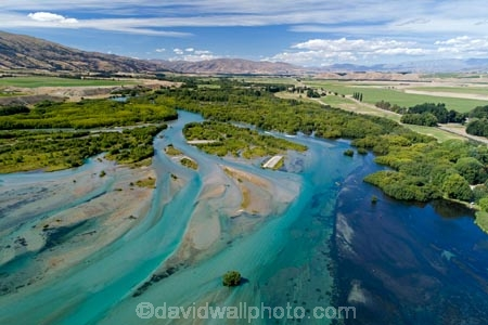 aerial;Aerial-drone;Aerial-drones;aerial-image;aerial-images;aerial-photo;aerial-photograph;aerial-photographs;aerial-photography;aerial-photos;aerial-view;aerial-views;aerials;Central-Otago;channel;channels;Clutha-Arm;Clutha-River;Drone;drone-aerial;Drones;lake;Lake-Dunstan;lakes;N.Z.;New-Zealand;NZ;Otago;Quadcopter-aerial;Quadcopters-aerials;river;river-channel;river-channels;river-mouth;river-mouths;rivers;S.I.;SI;South-Is;South-Island;Sth-Is;Sth-Island;U.A.V.-aerial;UAV-aerials;water