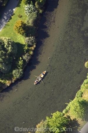 aerial;aerials;avon-river;boat;botanic-gardens;botanical-gardens;canterbury;christchurch;gondola;new-zealand;poler;polers;punter;punters;river-avon;rivers;south-island