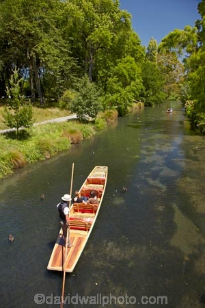 Avon;Avon-River;Avon-River-Avon;boat;boating;boats;Canterbury;Christchurch;Hagley-Park;N.Z.;New-Zealand;NZ;people;person;poler;polers;polling;punt;punter;punters;punting;Punting-on-the-Avon;punts;river;River-Avon;river-rivers;rivers;S.I.;SI;South-Is;South-Island;tourism;tourist;tourists