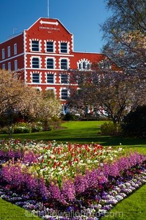 1867;1890;bloom;blooming;blooms;blooning;building;buildings;Crown-Mills-Building;Crown-Roller-Mills;Dunedin;floral;flower;flower-bed;flower-beds;flower-garden;flower-gardens;flowers;garden;gardens;heritage;historic;historic-building;historic-buildings;historical;historical-building;historical-buildings;history;N.Z.;New-Zealand;NZ;old;Otago;public-flower-garden;public-garden;public-gardens;S.I.;season;seasonal;seasons;SI;South-Is;South-Island;spring;spring-time;spring_time;springtime;Sth-Is;tradition;traditional