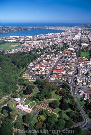 aerial;aerials;garden;gardens;botanic;botanical;dunedin;campus;otago;city;town;urban-sprawl;populated;CBD;central-business-district;main-street;layout;cityscape;university-of-otago;otago-university;university