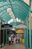 Albion-Pl;Albion-Place;boutique;boutiques;commerce;commercial;Dunedin;footpath;footpaths;N.Z.;New-Zealand;NZ;Otago;pedestrian-mall;pedestrian-malls;pedestrians;people;person;retail;retail-store;retailer;retailers;S.I.;shop;shopper;shoppers;shopping;shops;SI;South-Is;South-Island;store;stores;street-scene;street-scenes