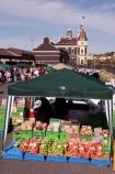 Dunedin;Otago;farmer;farmers;market;Railway-Station;people;crowd;crowded;gathering;stall;stalls;colour;food;produce;apple;apples;red;green;blue