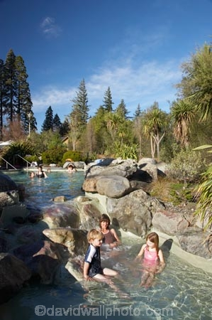 bathe;bathers;bathing;brother;brothers;Canterbury;child;children;families;family;geothermal;Hanmer-Springs;health-resort;holiday;hot-pool;hot-pools;hot-spring;hot-springs;little-boy;little-girl;mineral-pool;mineral-pools;mother;mothers;N.Z.;New-Zealand;North-Canterbury;NZ;outdoor;people;person;pleasure;relax;relaxing;S.I.;SI;sibbling;sibblings;sister;sisters;small-boys;small-girls;soak;soaking;South-Is;South-Island;spa;spas;swim;swimmers;swimming;thermal;tourism;tourist;tourists;vacation