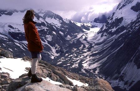 mountain;mountains;glacier;glaciers;snow;ice;rock;rocks;tramp;tramper;trampers;tramping;hike;hiker;hikers;hiking;walk;walker;walkers;walking;cold;altitude;high;sealy-range;mueller-hut